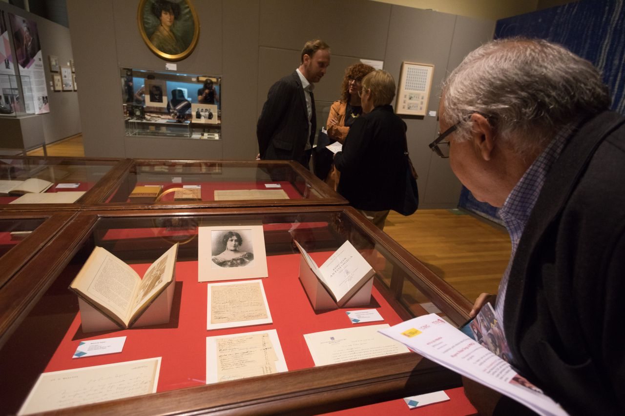 Cartas manuscritas de varios personajes importantes refiriéndose a la extraordinaria obra literaria de Concha Espina.