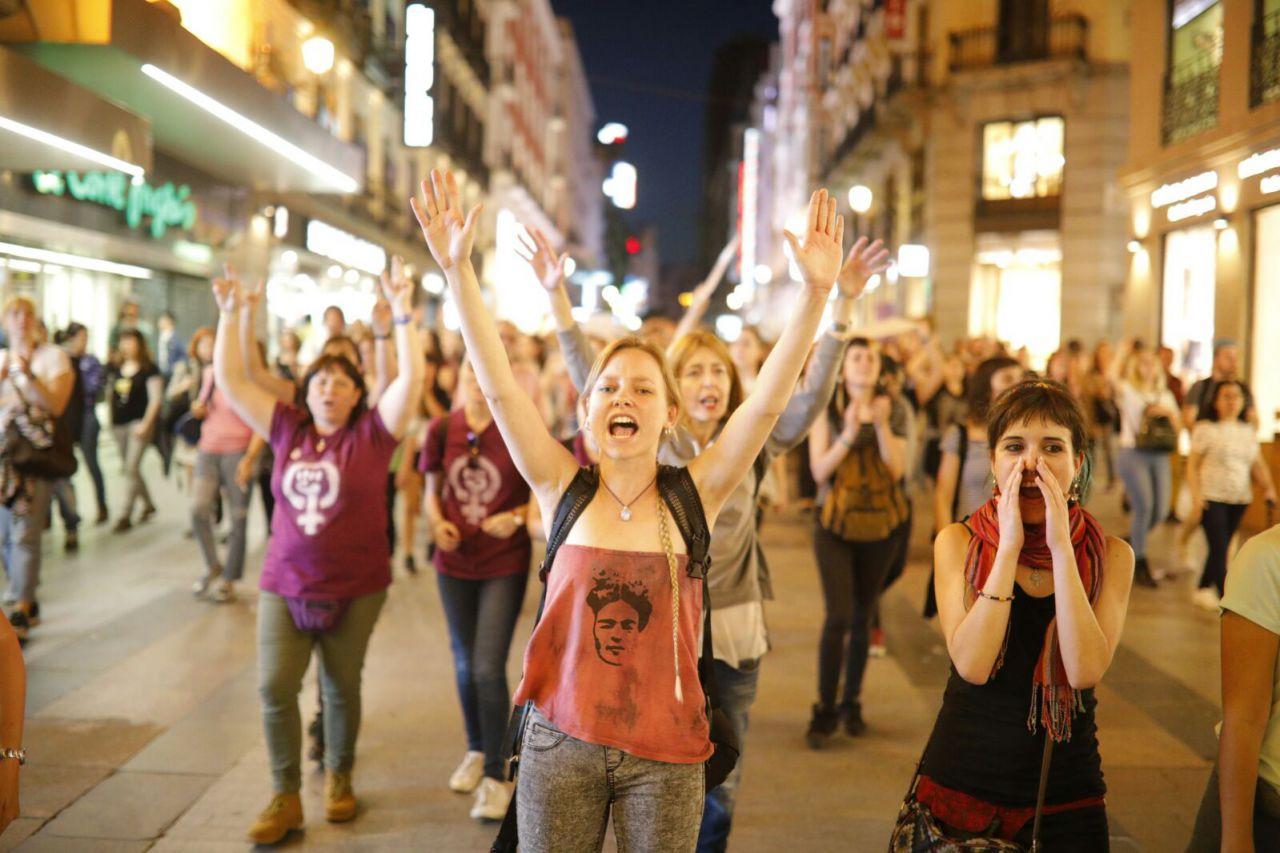 Después de San Bernardo, las manifestantes han recorrido diferentes calles de Madrid, como Preciados.
