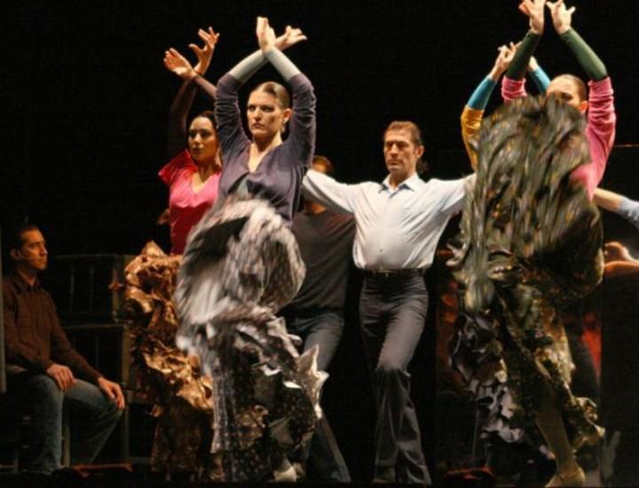 El Teatro Albéniz celebra el 25 aniversario del ballet 'Carmen'. La obra maestra del bailarín y coreógrafo Antonio Gades regresa a los escenarios 25 años después de su estreno en París.