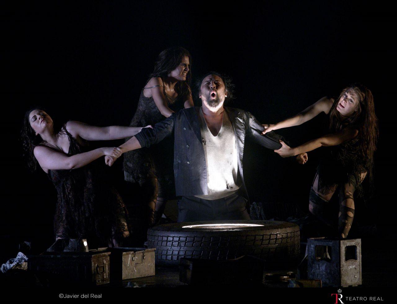 Escena de la obra 'El oro del Rin' (Das Rheingold).