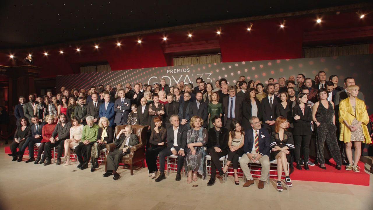 Foto de familia de los nominados de los Premios Goya 2019 en el Teatro Real.