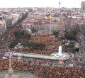 45.000 personas llenan Colón de banderas de España