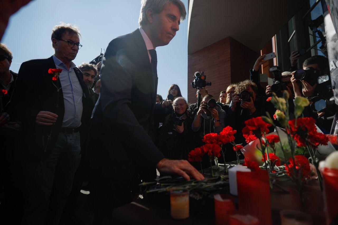 Ángel Garrido, presidente de la Comunidad de Madrid, ha asistido a la ofrenda floral en la estación de Atocha por las víctimas de los atentados del 11M.