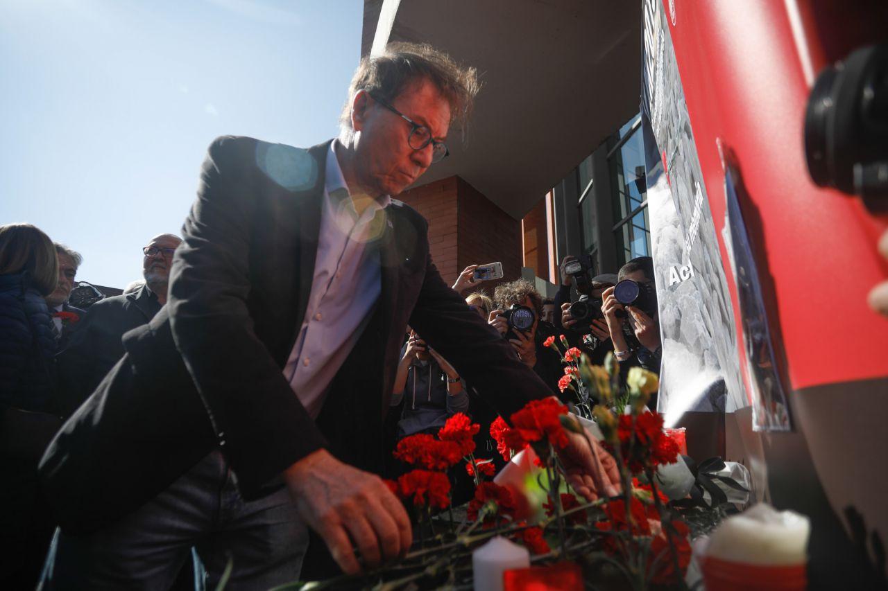 Jaime Cedrún, secretario general de CCOO Madrid, ha asistido a la ofrenda floral en la estación de Atocha por las víctimas de los atentados del 11M.