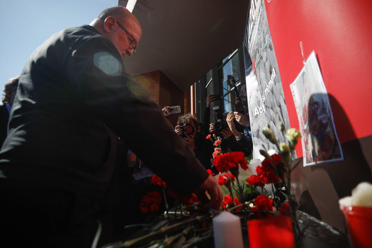 Luis Miguel López Reillo, secretario general de UGT Madrid, ha asistido a la ofrenda floral en la estación de Atocha por las víctimas de los atentados del 11M.