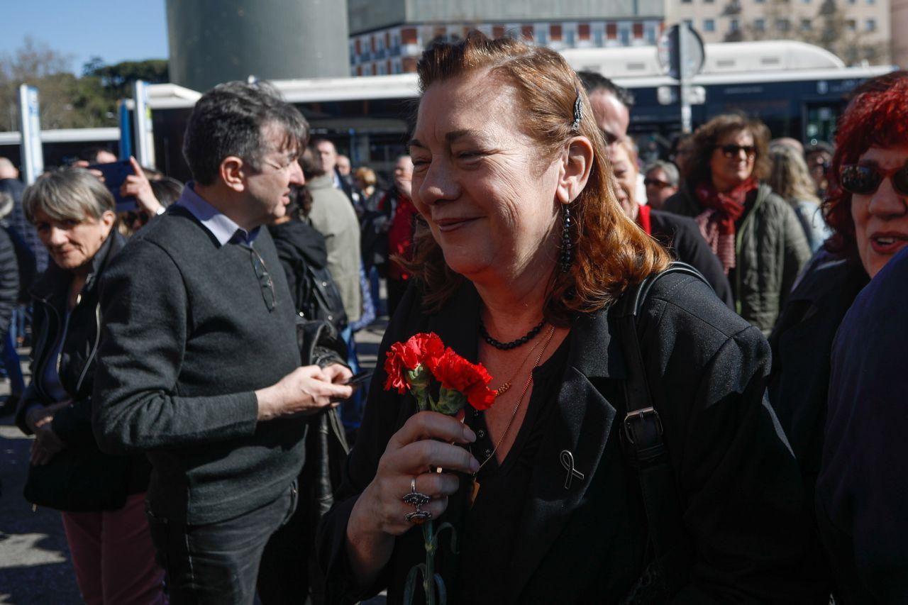 Pilar Manjón ha asistido a la ofrenda floral en la estación de Atocha por las víctimas de los atentados del 11M.