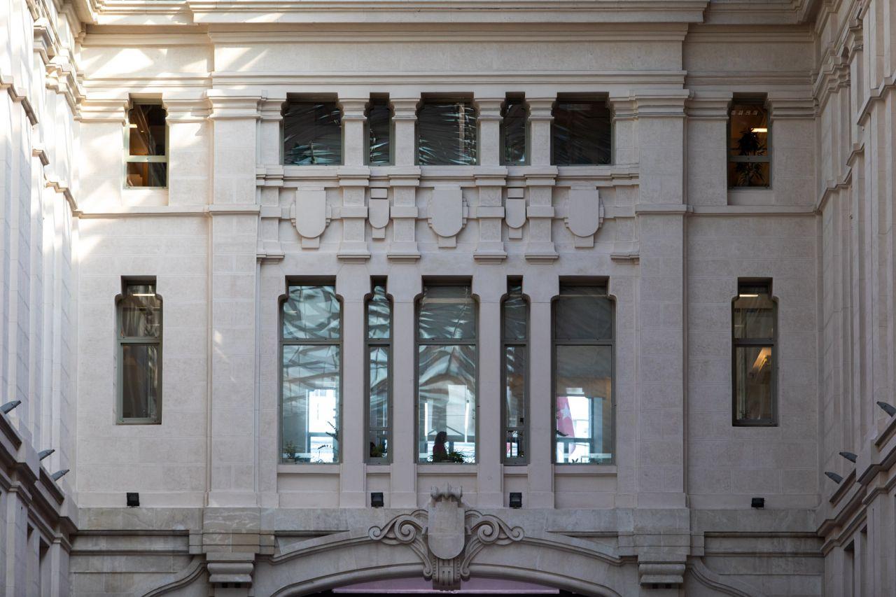 Dependencias municipales vistas desde la Galería de Cristal.