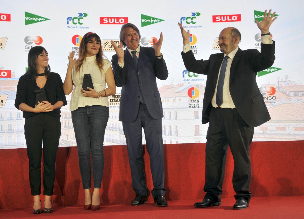 El premio lo entregó el presidente de Sulo, Michel Kempinski.  A un lado y a otro del escenario, un 'sonado' aplauso en lengua de signos para las premiadas.