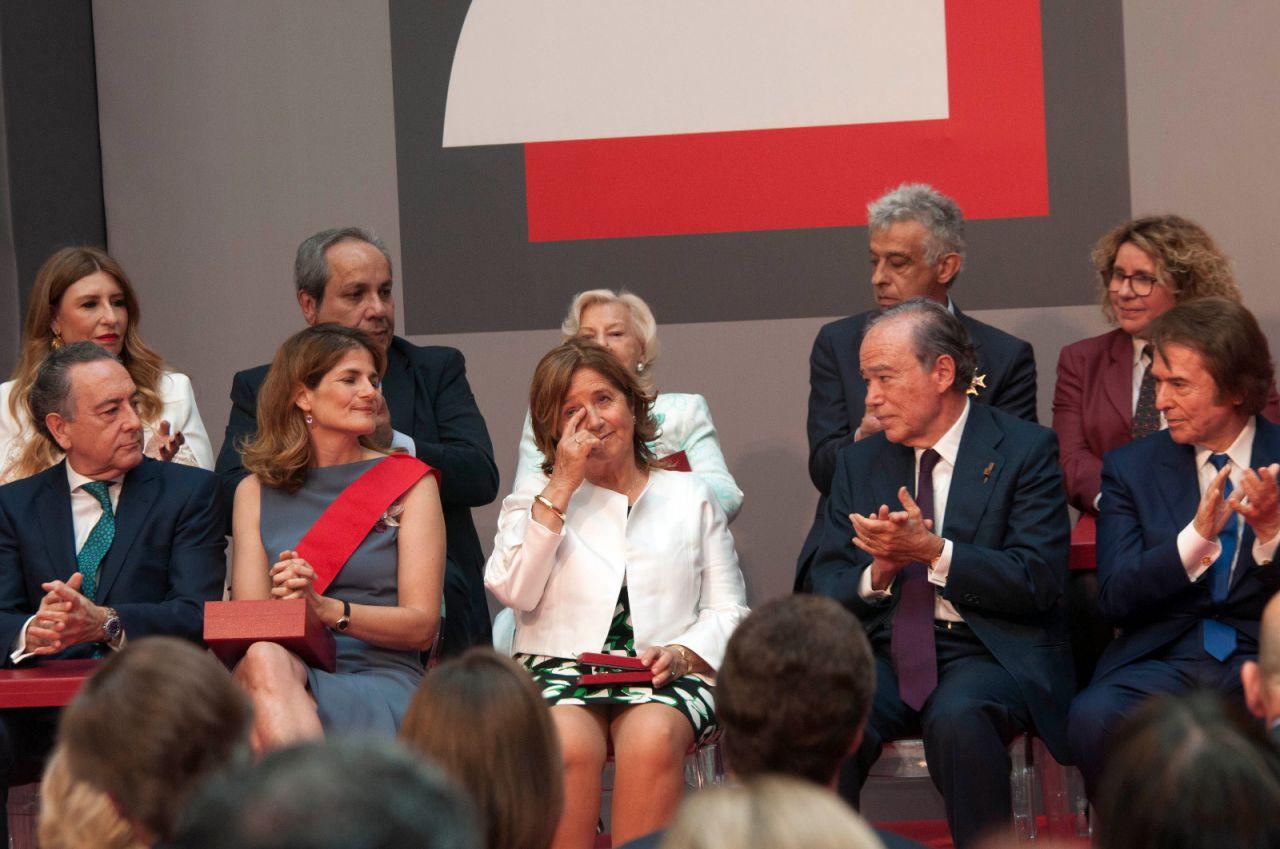 Entrega de las Medallas de Oro de la Comunidad de Madrid en la celebración del Dos de Mayo en la Casa de Correos.