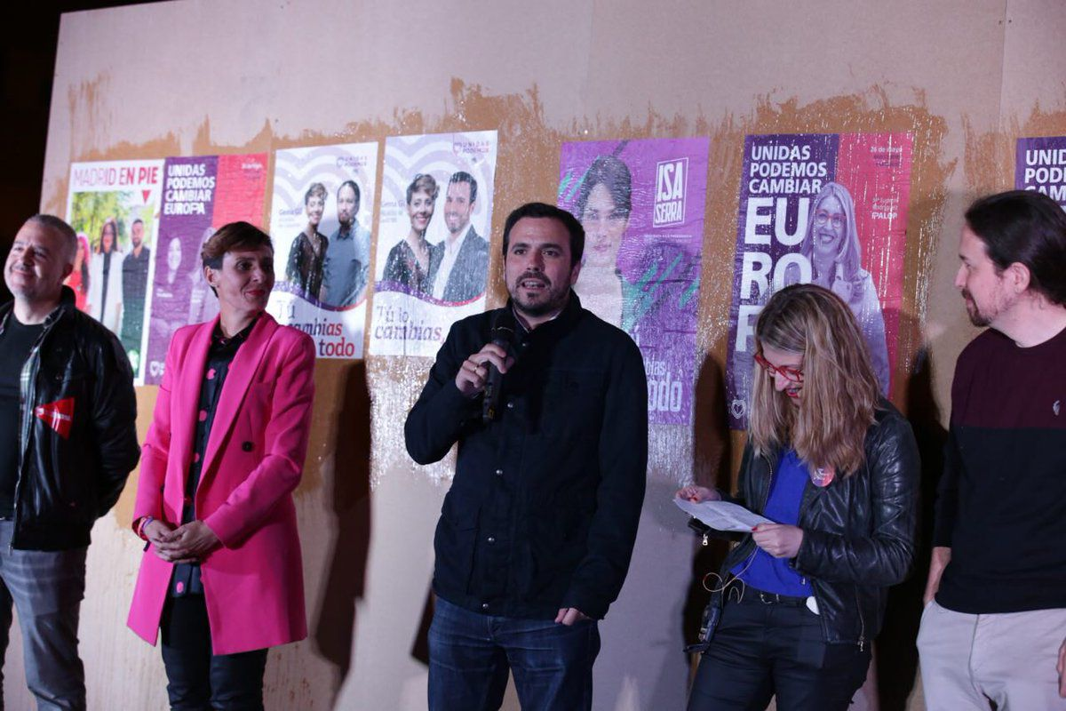 Alberto Garzón, secretario general de Izquierda Unida, también ha estado en el acto ante 200 personas.