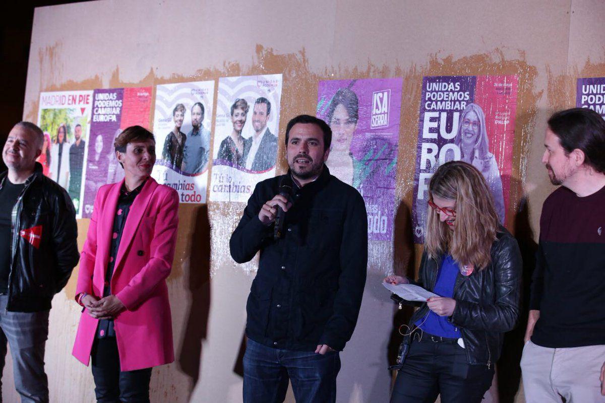 Alberto Garzón, secretario general de IU junto a Gema Gil, candidata de Podemos en Leganés.