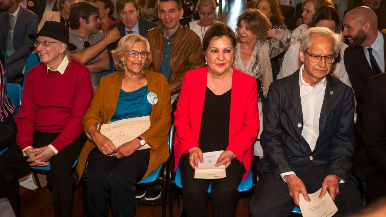 Juan Tamariz, Manuela Carmena, Carmen Linares y el ilustrador gráfico El Roto.