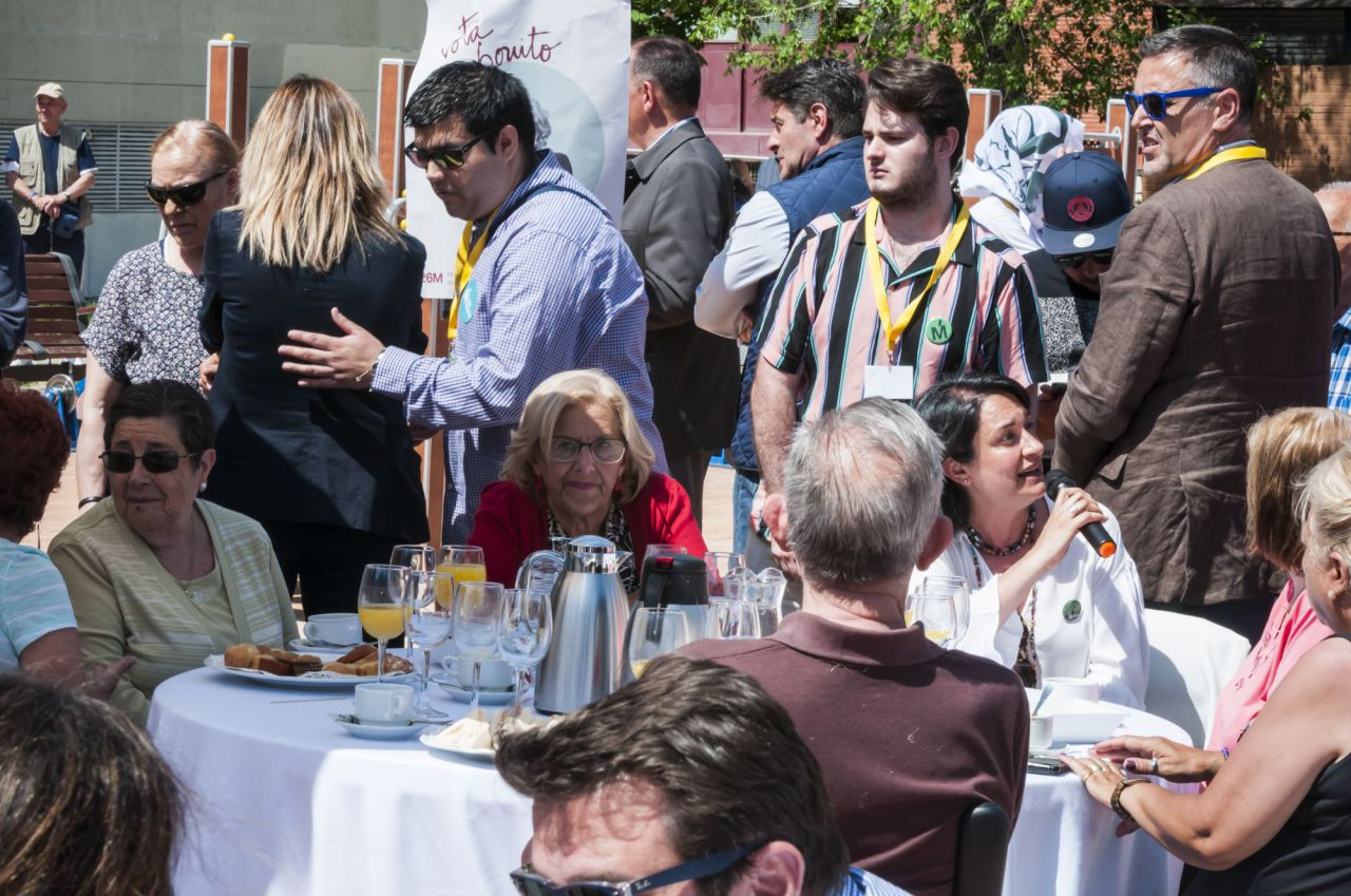 La alcaldesa de Madrid participaba en un desayuno organizado por Más Madrid en Moratalaz.