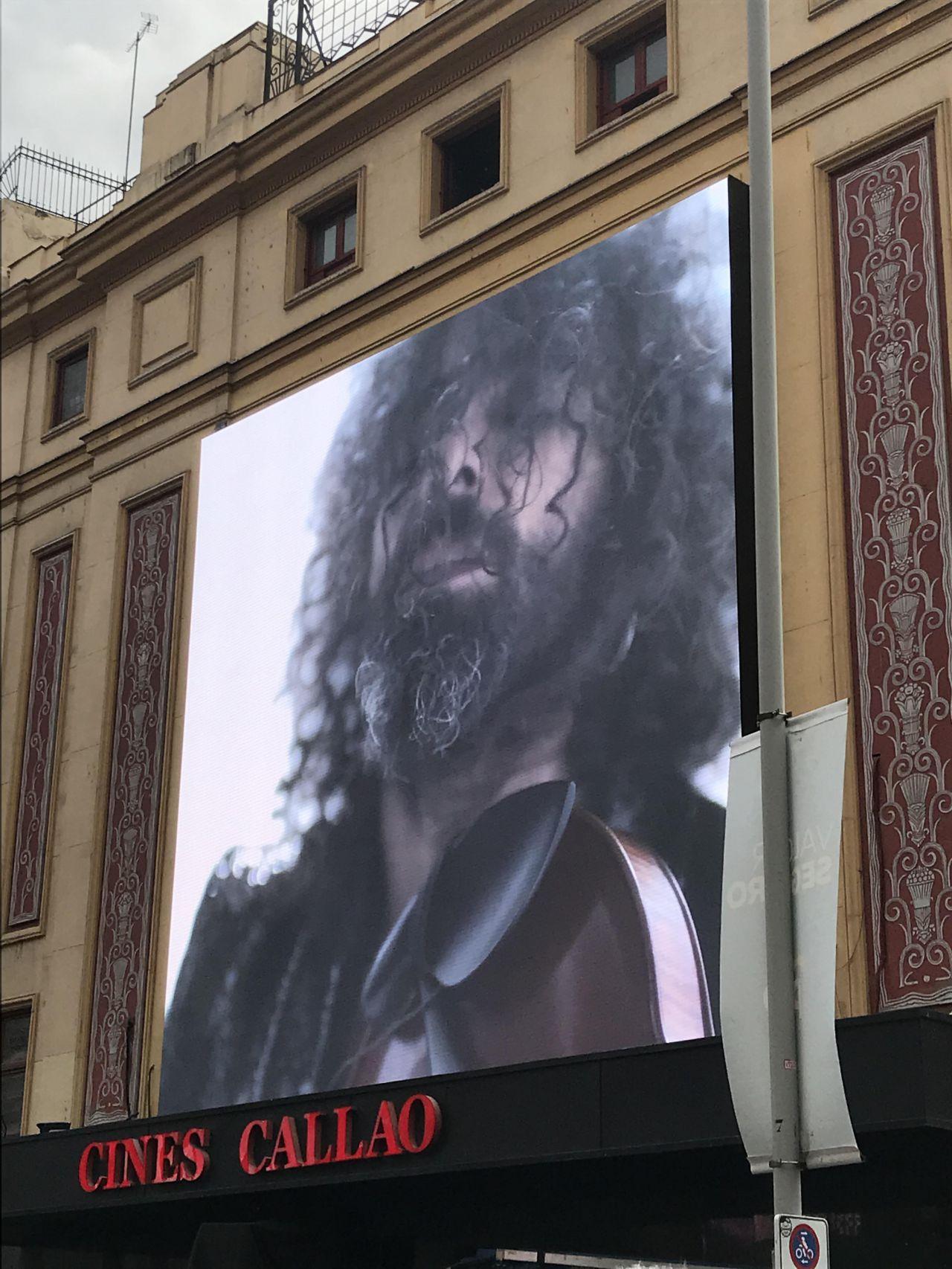 Las pantallas del cine Callao han mostrado al público detalles del concierto.