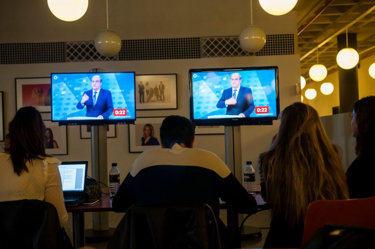 La sala de prensa, pendiente del debate.