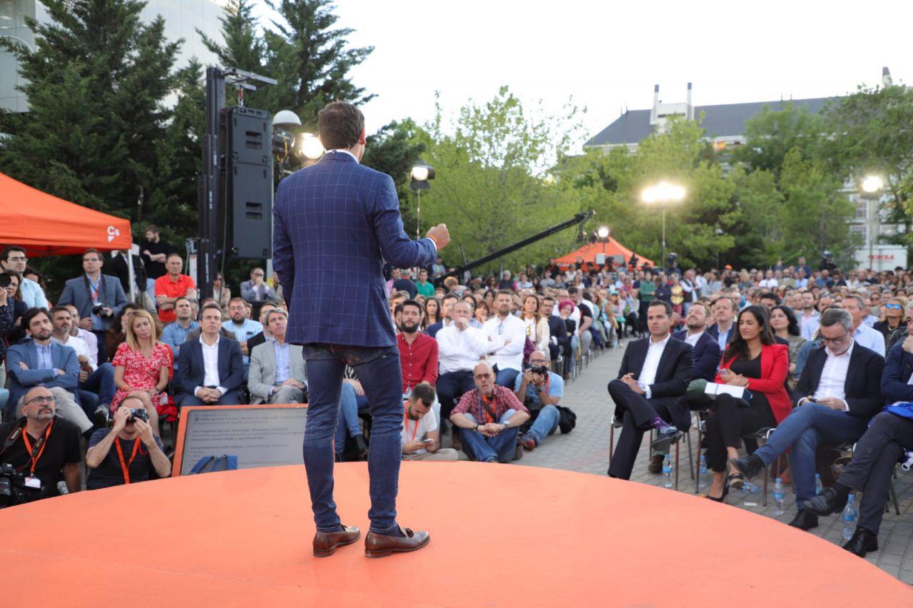 El parque de Alfredo Kraus, en Hortaleza, ha sido el escenario elegido para la traca final de la campaña.