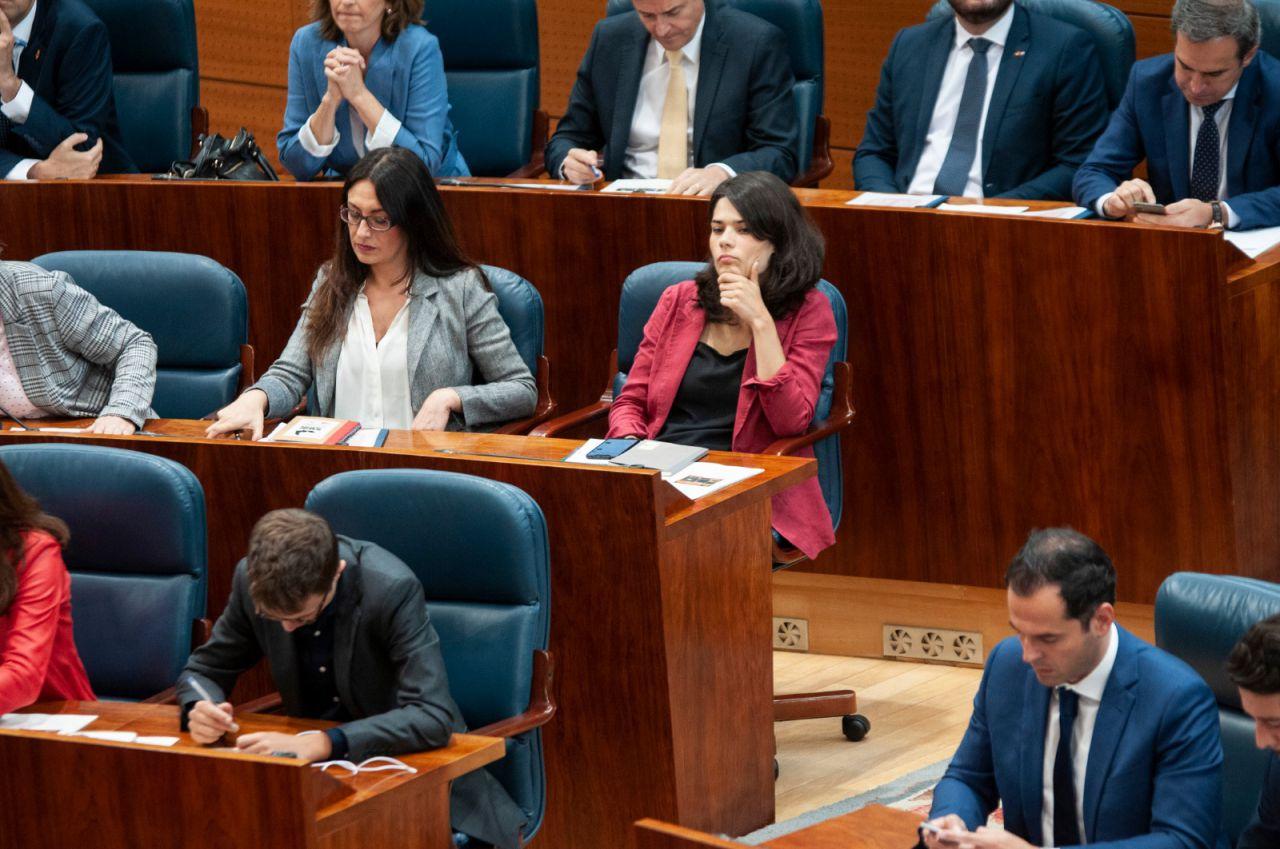 Isa Serra estrena el liderazgo en Podemos en la Cámara regional.