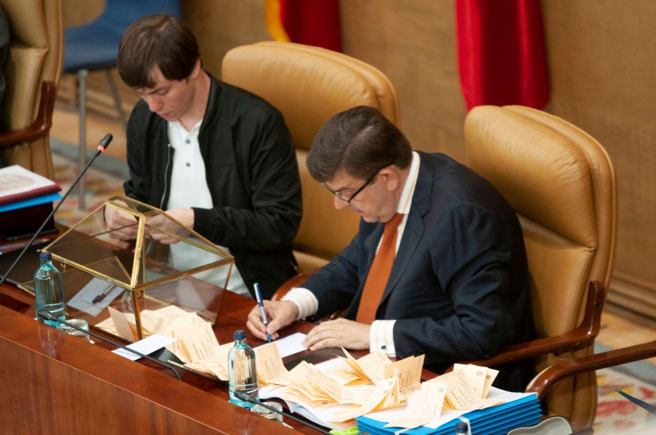 Recuento de los votos a la Presidencia de la Mesa de la Cámara.