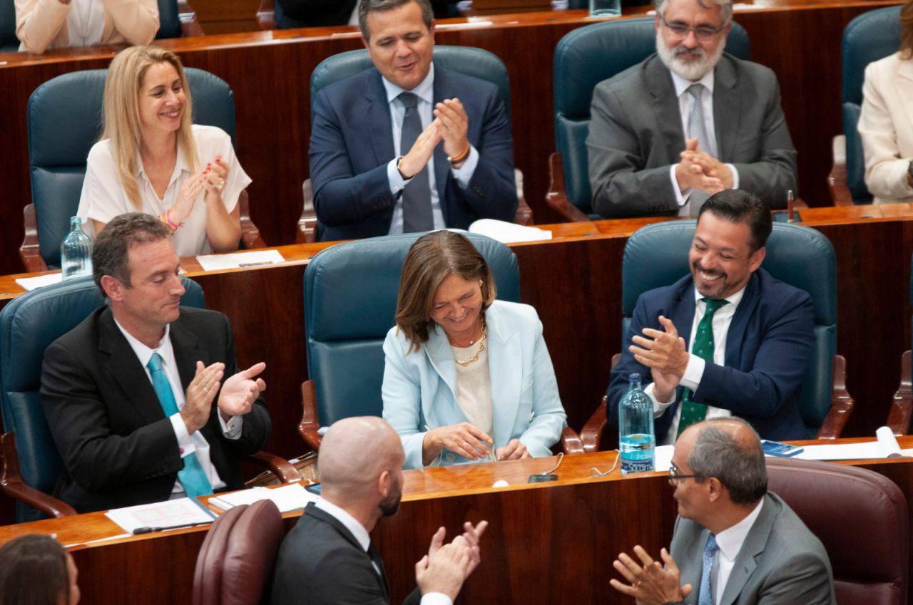 Paloma Adrados, presidenta saliente de la Asamblea.