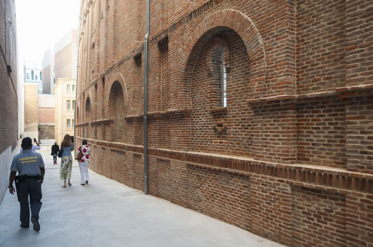 El antiguo frontón Beti Jai ha mostrado su nueva cara a los madrileños.