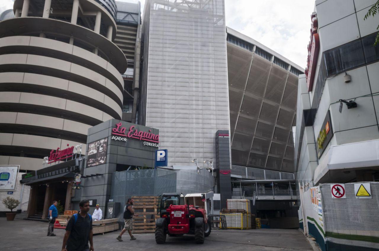El nuevo plan especial, aprobado en 2017 con los votos a favor del PP, Ahora Madrid y Ciudadanos y la abstención del PSOE, ordena en total 90.000 metros cuadrados de los alrededores del Santiago Bernabéu.