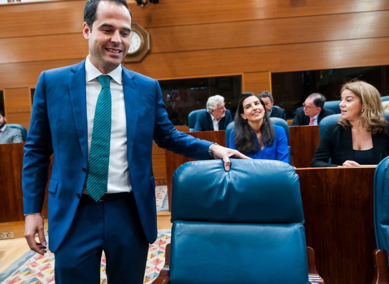 Ignacio Aguado, Rocío Monasterio y cualquier gesto entre ambos han focalizado la atención en este Pleno.