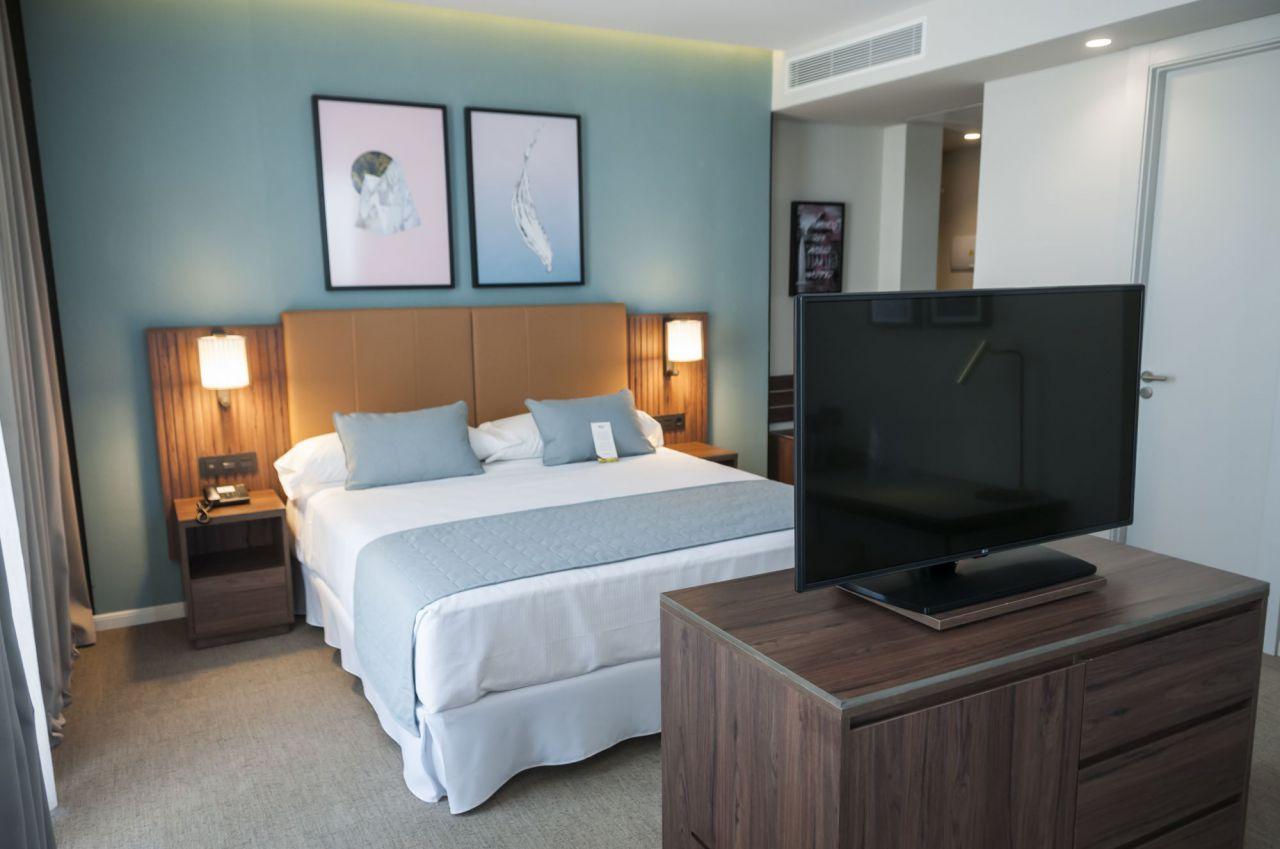 Una de las habitaciones del Hotel Riu Plaza de España.