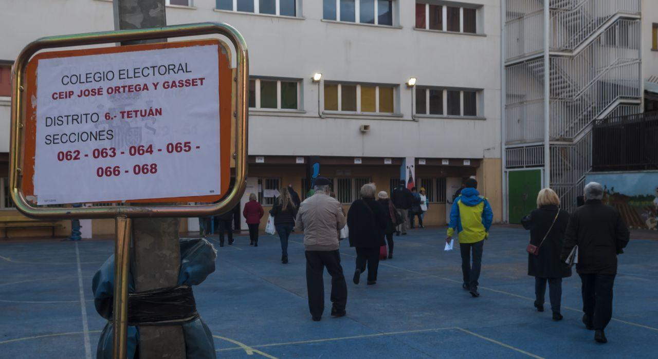 Colegio Ortega y Gasset, en Madrid, abierto para este domingo de elecciones