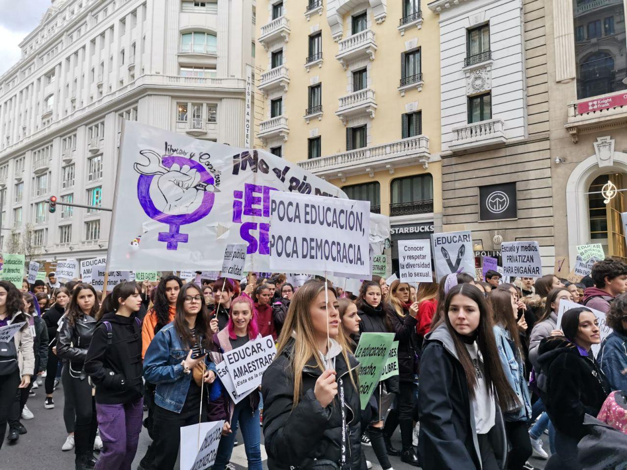 Manifestación estudiantil por el 8M