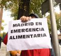 """Protesta ante el área de Familias """"porque Madrid pasa hambre"""""""