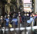 Centenares de personas en el Rastro en su segundo domingo de apertura