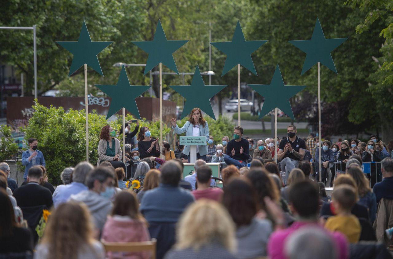 La candidata de Más Madrid, Mónica García, durante el acto de cierre de campaña