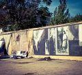 El mural homenaje al fotoperiodista Robert Capa amanece quemado