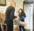 Voluntarios madrileños recogen bienes de primera necesidad para La Palma