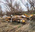 Escombros y basura en el río Guadarrama