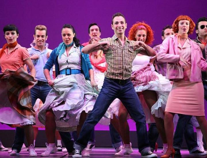 Este martes se estrena en el Nuevo Teatro Alcalá uno de los musicales de may éxito de la gran pantalla, 'Grease, el musical de tu vida'.