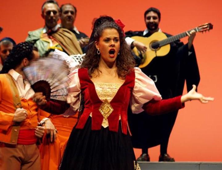 El Teatro de Madrid acogerá el 2 de octubre el estreno de 'Antología de la Zarzuela', un espectáculo de gran formato que se acerca al musical y que propone una renovación del género con el objetivo fundamental de apostar por la gente joven y captar nuevos públicos, según explicó su director y productor, Enrique Robles.