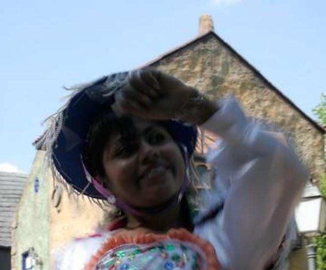 Los ecuatorianos y los bolivianos residentes en la Comunidad de Madrid celebraron en el mes de agosto su fiesta nacional. La de los ecuatorianos, en el Palacio de Vistalegre, conmemoró el 199 aniversario de la Independencia de este país. Las 'Fiestas Patrias' de Bolivia se celebraron el 3 de agosto en el Parque de Atracciones de Madrid, como señaló la embajadora en España, Carmen Almendras.