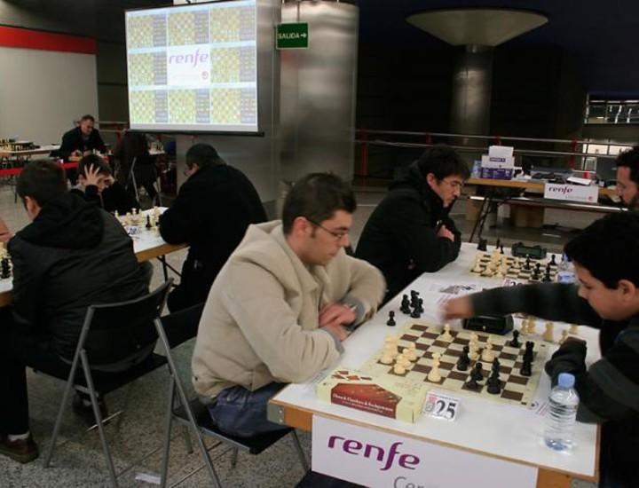 Los concursantes, que contaban con la licencia de la Federación Española de Ajedrez, compitieron por el título de campeón de España en la modalidad de sistema suizo a nueve rondas.