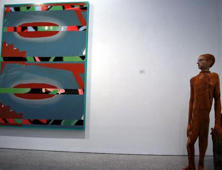 """""""Colectiva de Invierno"""" y """"Alfonso Albacete. Papeles pintados"""" inauguran la programación del nuevo año de la Galería Marlborough. Ambas exposiciones permanecerán abiertas al público hasta el 7 de febrero de 2009."""