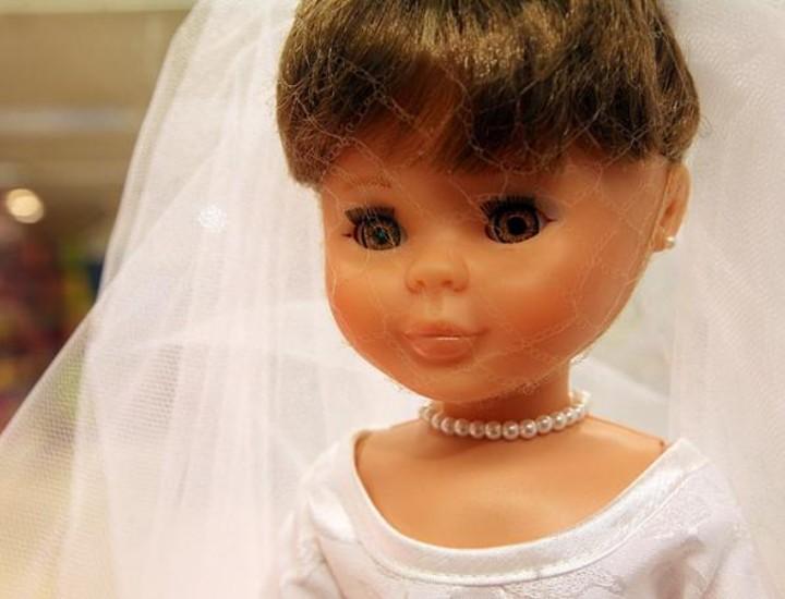 El Corte Inglés de Callao albergará una exposición sobre la muñeca española más famosa, Nancy, que cumple su 40 aniversario. Más de 50 modelos, desde los de finales de los 60 hasta los más actuales, nos descubren la evolución de esta mítica muñeca a lo largo de la historia.