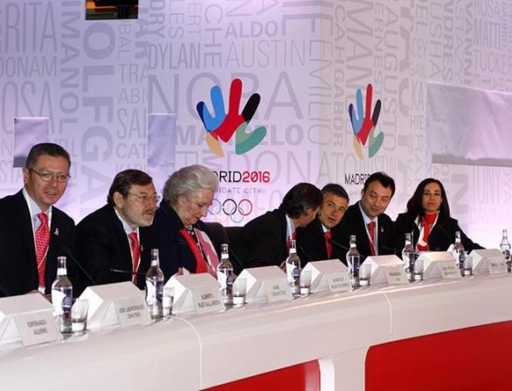 Los trece enviados por el Comité Olímpico Internacional para evaluar la candidatura de Madrid 2016 vivieron este martes una jornada muy intensa. Han asistido a las ponencias del presidente del Gobierno, la presidenta de la Comunidad y el alcalde de Madrid, entre otros, sobre las virtudes de la propuesta española.