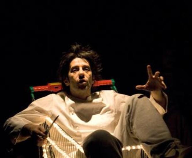 La escalera de Jacob, en la calle de Lavapiés 11, ha estrenado la obra teatral 'La vida en chándal'.