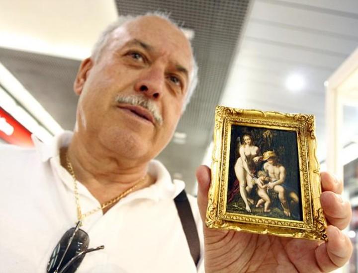 Una colección única de 133 obras maestras de la pintura, reproducidas artesanalmente en piedras de río, se podrá ver en el Centro Comercial Gran Vía de Hortaleza. El artista manchego Ángel Ruíz ha pintado con el más mínimo detalle obras de El Greco, Murillo, Van Gogh o Sorrola, entre otros.