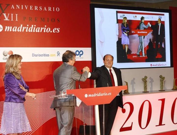 Por el escenario de los Premios Madrid, el Hotel Westin Palace, desfilaron este lunes algunos de los más destacados poíticos y actores sociales de la actualidad madrileña.