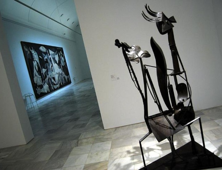 El Museo Centro de Arte Reina Sofía ha presentado su nueva colección en unos espacios renovados y puestos al día.