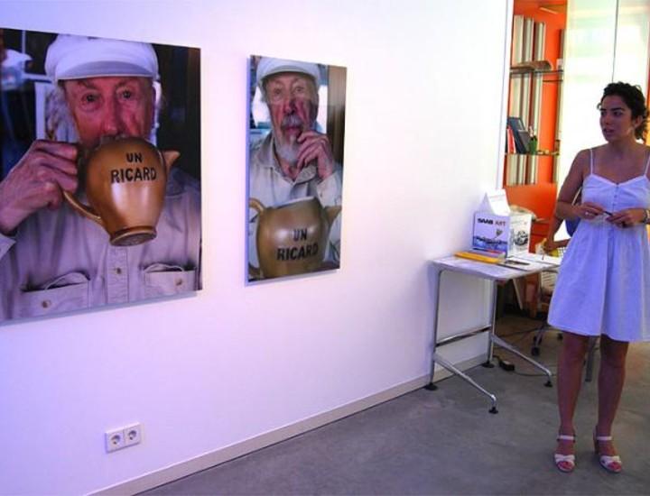 Exposición de Photoespaña en la que el artista se paradoia a sí mismo y así recrea un laboratorio de revelado tradicinal, donde aparecen imágenes robadas a una celebridad.