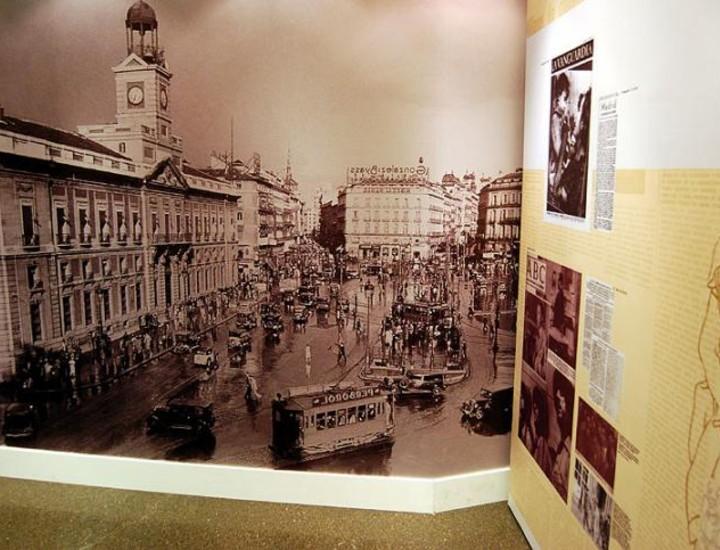 El título de la película de Jack Conway, 'Historia de dos ciudades', resume a la perfección la trágica experiencia que compartieron las ciudades de Madrid y Barcelona durante los años de la Guerra Civil (1936-1939).