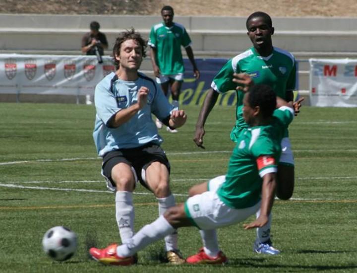 Nigeria se proclamó este domingo campeona mundial en Carabanchel, tras derrotar por 1-0 a Argentina en el mundialito solidario que diera comienzo el 20 de junio y que se ha celebrado en Carabanchel.