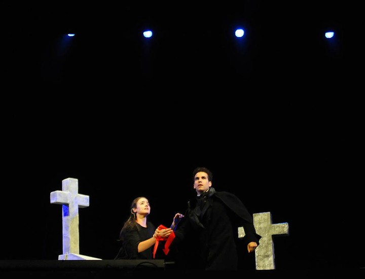 El musical que trae la compañía granadina 'La Butaca Vacía' visita por primera vez la capital y se quedará hasta el 18 de Agosto. El musical está basado
